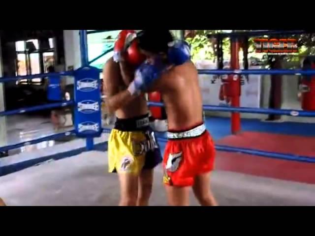 Техника тайского бокса от тайцев. Тренировка часть 3 Ноги.