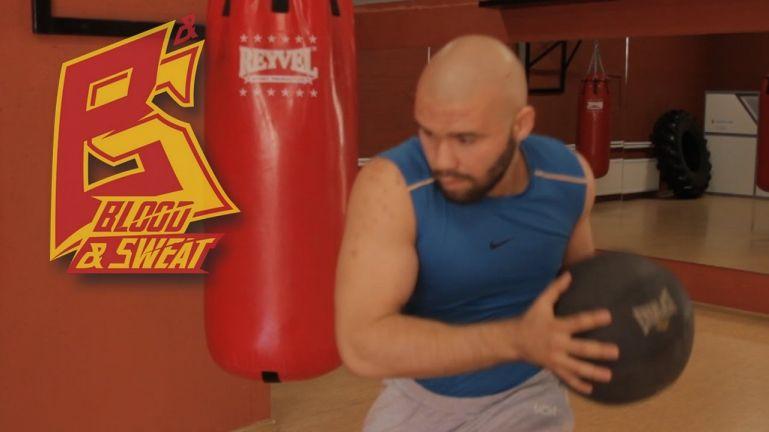 Кроссфит видео. Набивной мяч и взрывная сила. Техника бокса. Игорь Смольянов и Вели Мамедов.