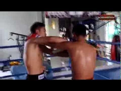 Техника тайского бокса от тайцев. Тренировка часть 4 Спарринг