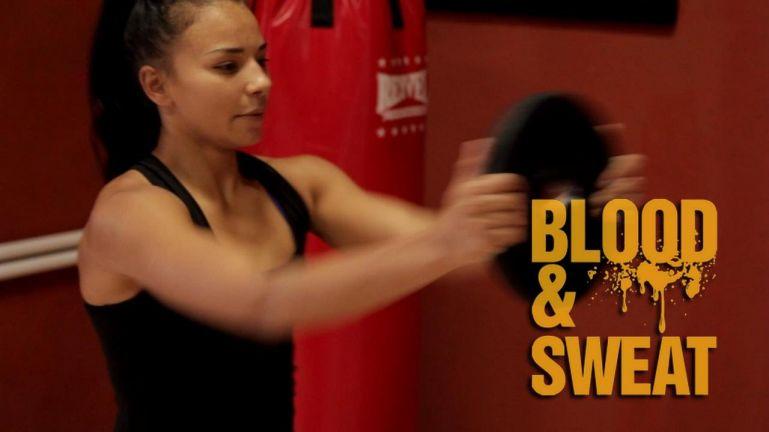Кроссфит видео. Упражнения с блином на все ударные мышцы. Техника бокса. Игорь Смольянов.