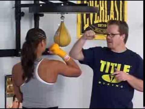 Уроки бокса. Основы бокса с пневмогрушей. Удары от лучшего тренера.