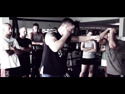 Ударные комбинации MMA от Брайана Стэнна