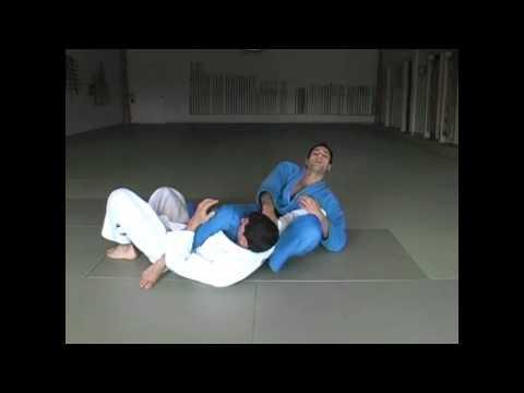 Требования на синий пояс по бразильскому джиу джитсу. Свипы из защит в БЖЖ