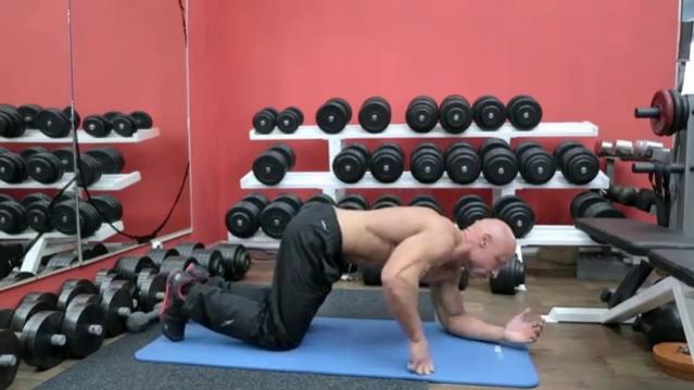 Как делать упражнение «Планка»