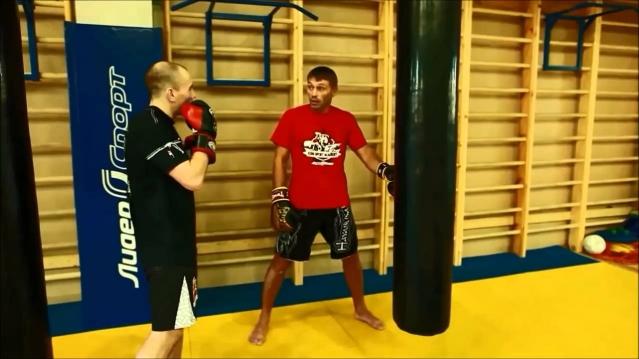 Школа бокса Руслана Акумова. Основы работы на боксерском мешке
