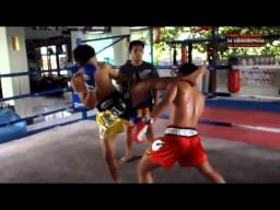Техника тайского бокса от тайцев. Тренировка часть 2 Тай пад.