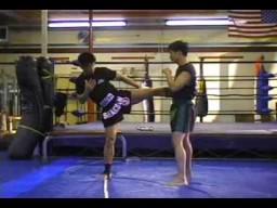 Удары ногами в тайском боксе. Муай тай кики