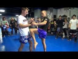 Тайский бокс. Атакующие комбинации ударов - семинар
